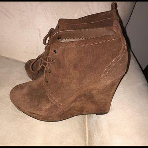 Jessica Simpson wedge booties Size 10 🤩😍